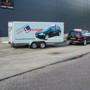 Rijbewijs BE voor auto met aanhanger haal je met deze combinatie VW Passat en twee-asser